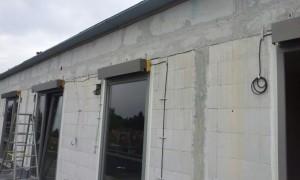 Ein Warema Vorbau Rollladen wird montiert