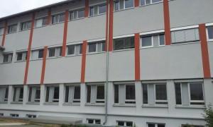 Moderne Raffstores für eine Schule in Fürth